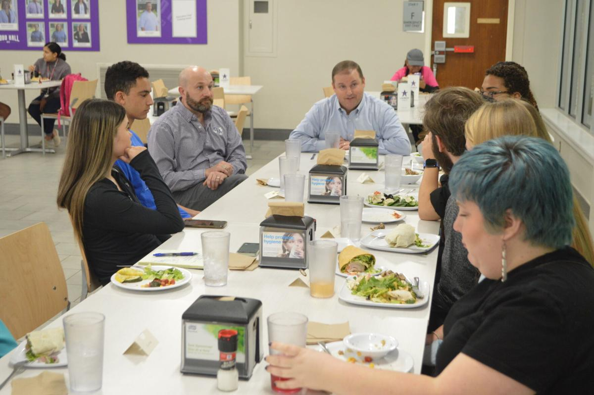 First luncheon with the president opens student discussion