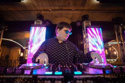 Visually impaired student discusses life as a DJ