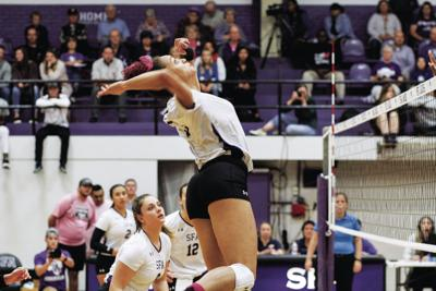 SFA volleyball team prepares for rival match against Bearkats