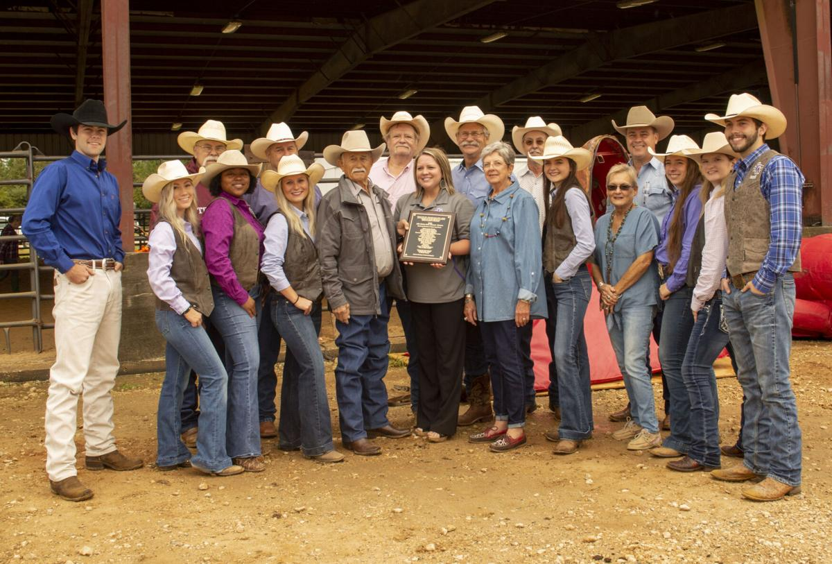 Rodeo Team alumni present current team with plaque, equipment donations