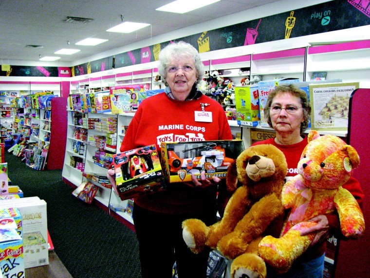 Toys For Tots Volunteer : Toys for tots provides brighter holiday for hundreds brunswick
