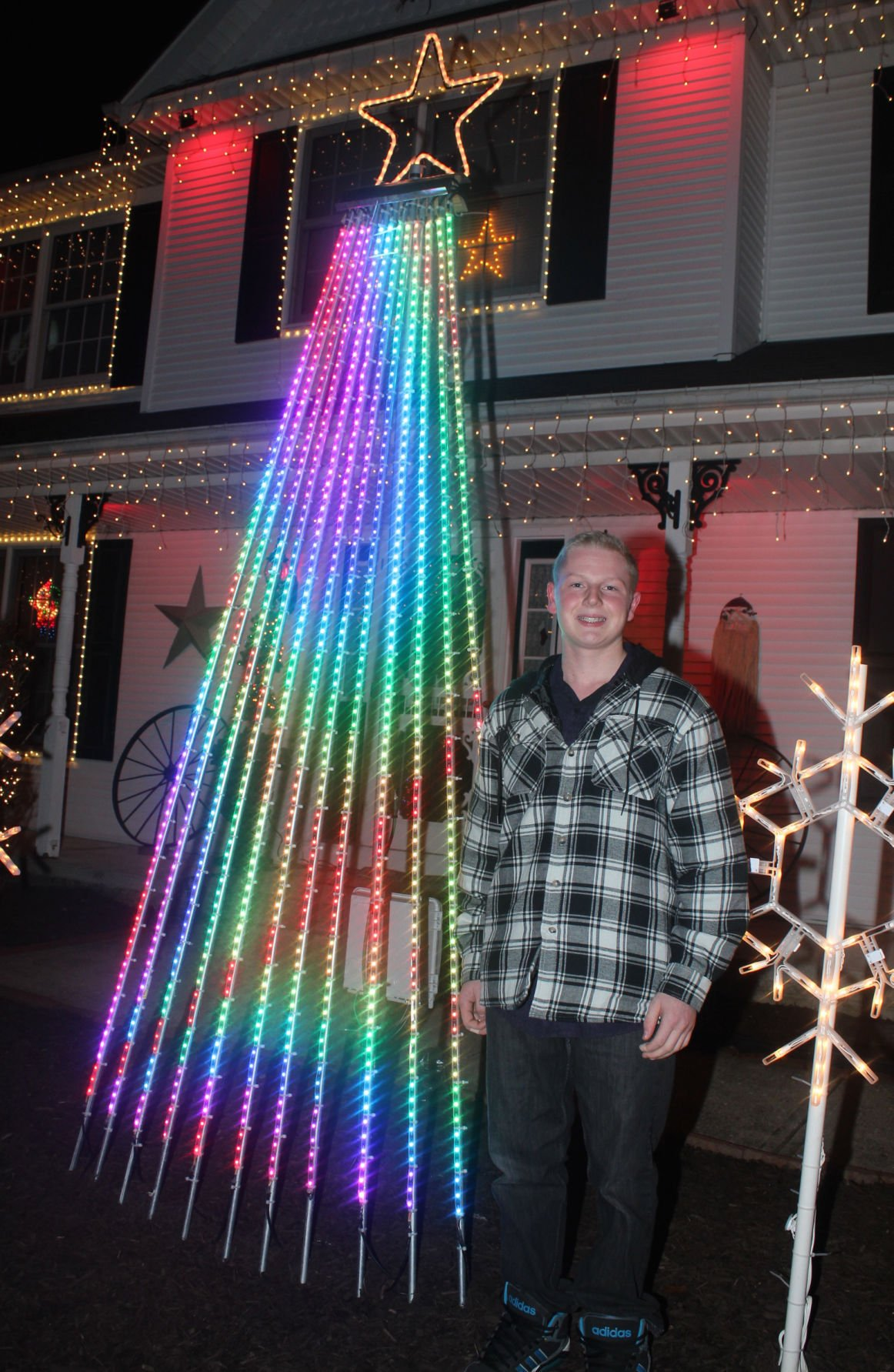 bryan dunbrack and an rgb pixel tree bryan dunbrack 15 has synchronized a christmas lights - Christmas Lights Synchronized To Music