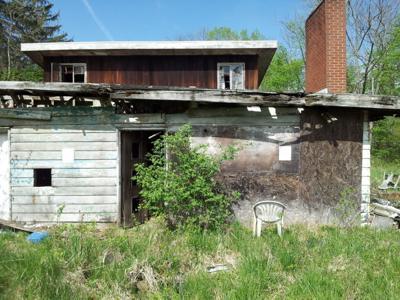 Abandoned Akins Road home