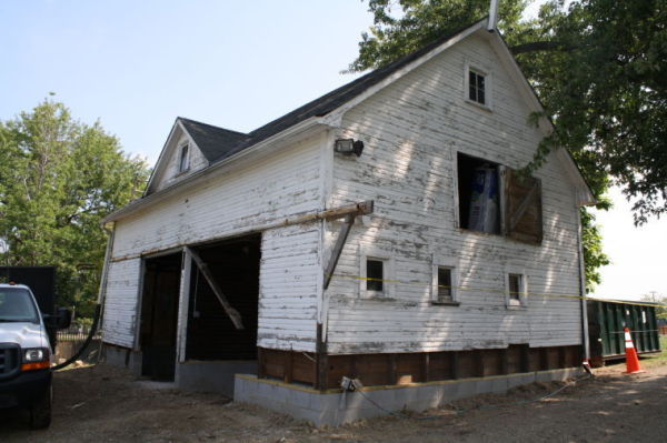 Roe-Chapman barn