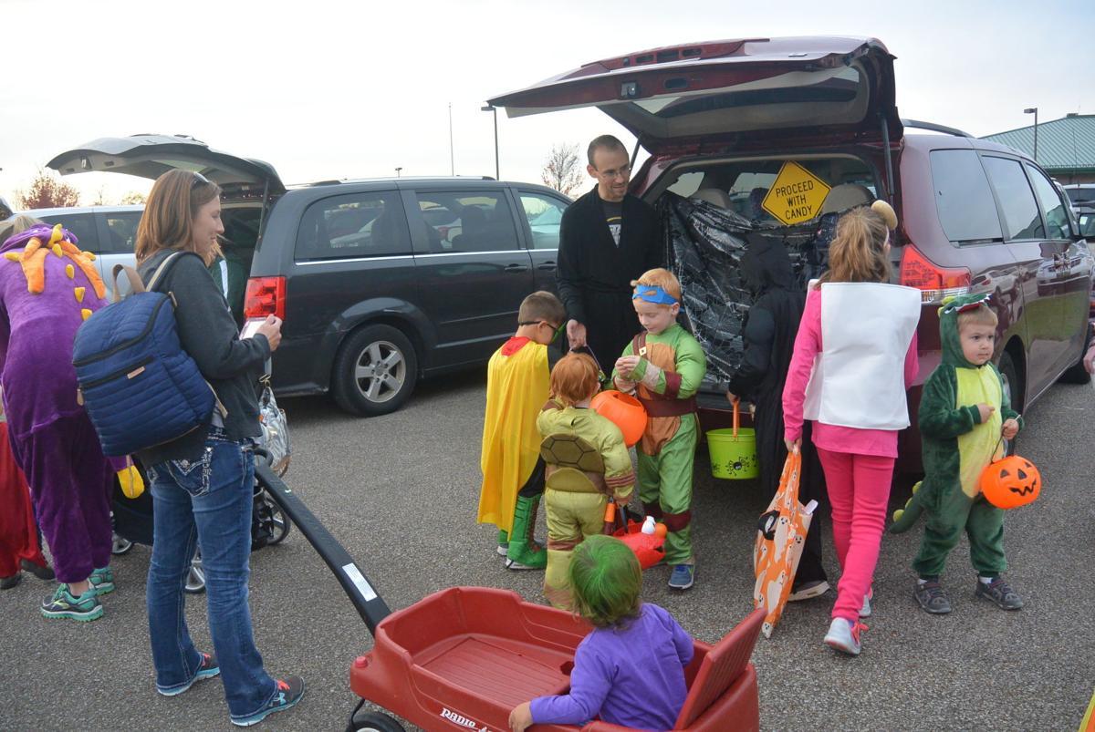 When Is Montville Townships Halloween In Medina Ohio 2020 Montville Cares holds Halloween celebration | Eastern Medina