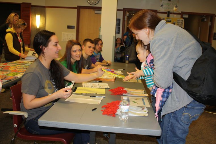 Books and skits encourage reading | Strongsville | thepostnewspapers com