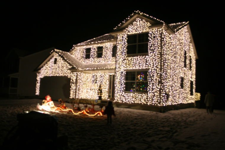 Local man harnesses his inner Clark Griswold. He recreated the house from  Christmas Vacation - Local Man Harnesses His Inner Clark Griswold Wadsworth