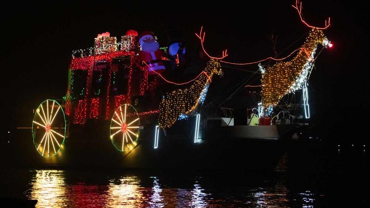 [Photos] 2018 Discovery Bay lighted boat parade