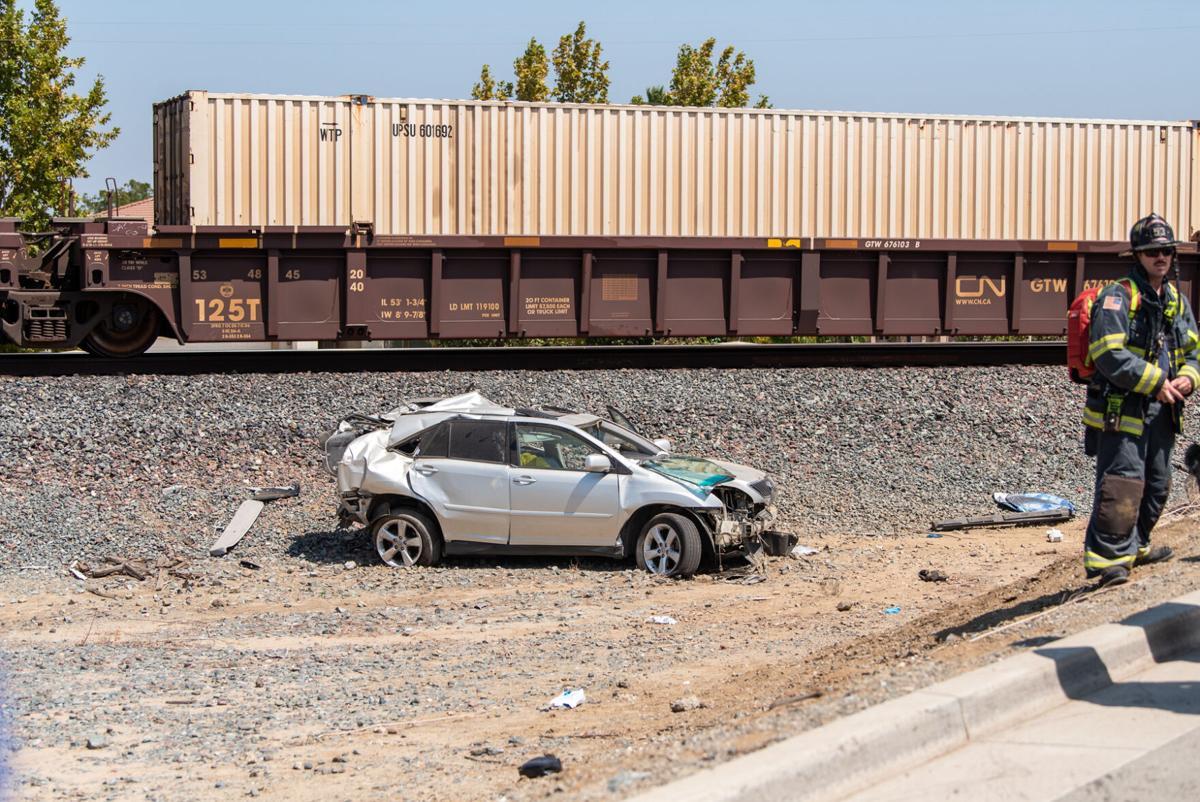 2021-08-25-Oakley-Train-vs-Car_02.jpg
