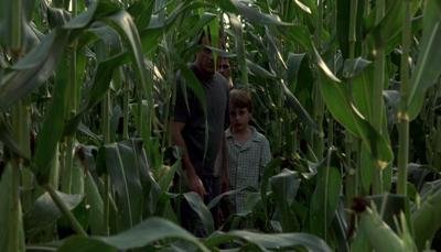 """""""Signs"""" is M. Night Shyamalan at his best"""