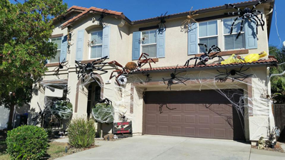Oakley's Hometown Halloween Decorating Contest champion