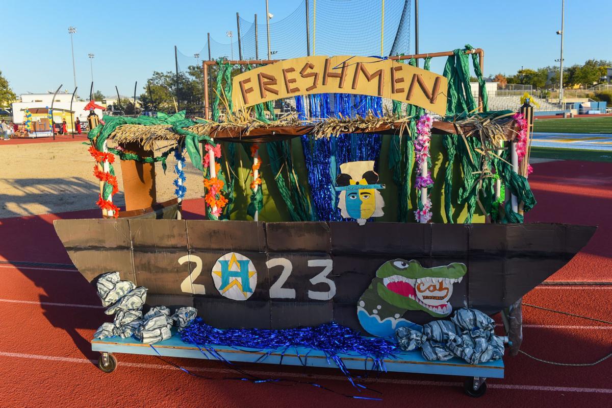 HHS homecoming parade