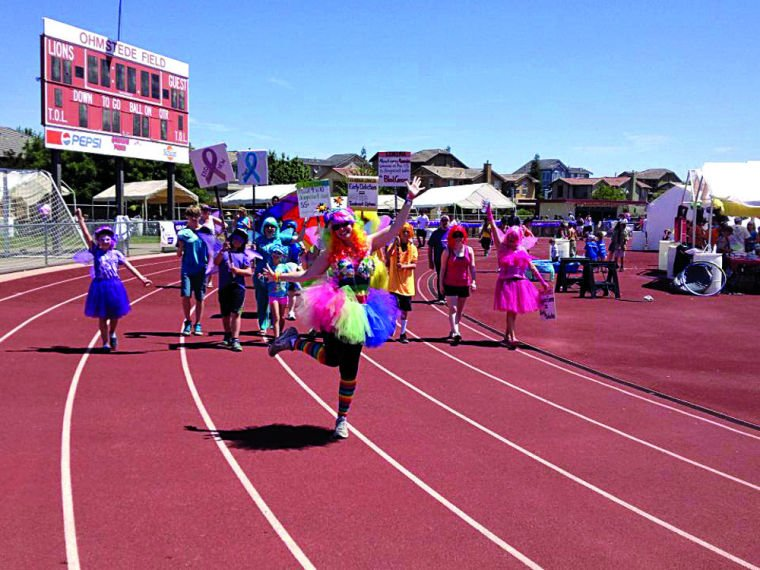 Relay volunteers fight back against cancer