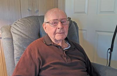 WWII veteran shares life story