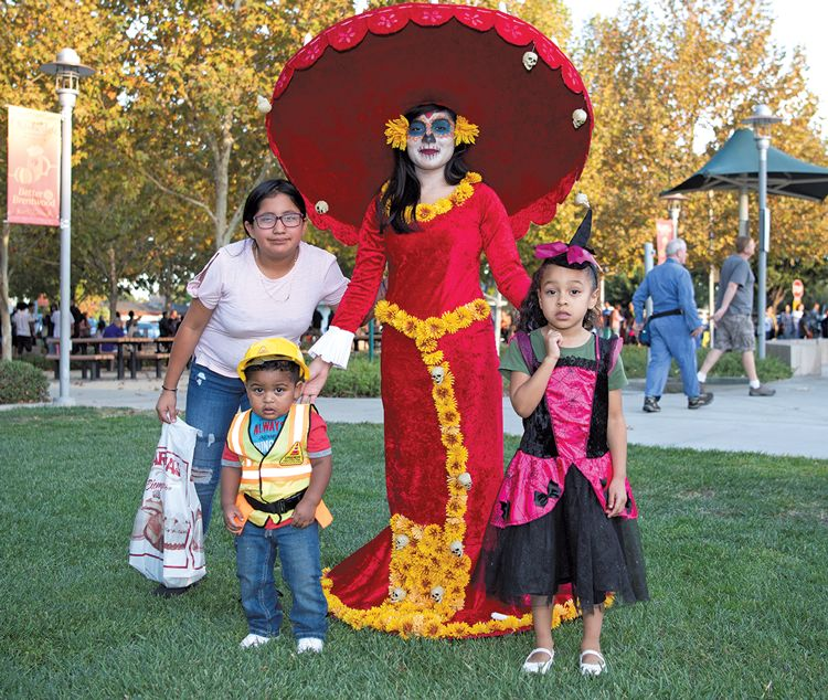A Hometown Halloween - Jazlyn and Julian Mourning and Javanna Macias