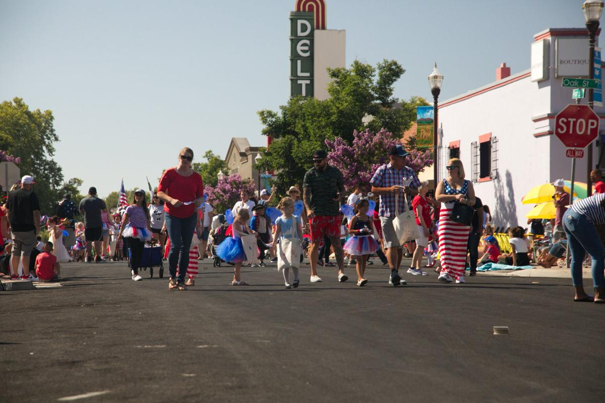 Brentwood Fourth of July Parade