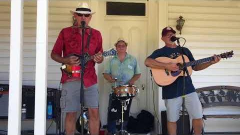 [Video] Durt Cheap performs at the ECCHS annual picnic