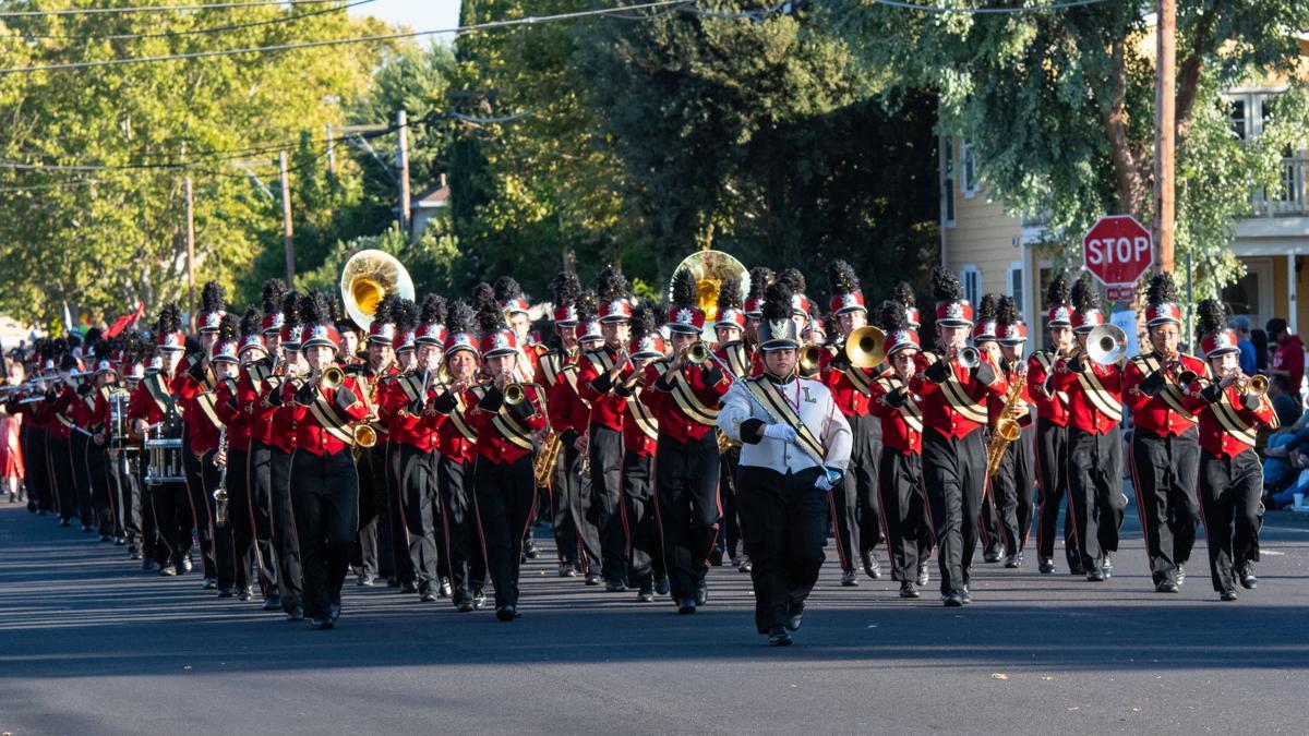 [Photos] 2018 Liberty High School homecoming parade