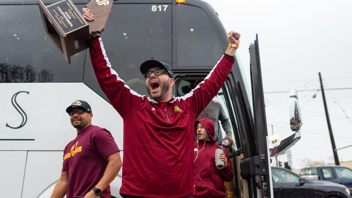 [Photos] Liberty Football Team - State Champions arrive home