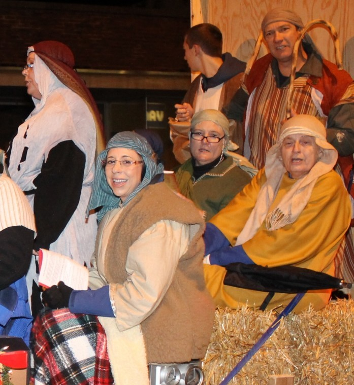Salem Mo Christmas Parade 2020 Christmas parade features lights, caroling, true message of