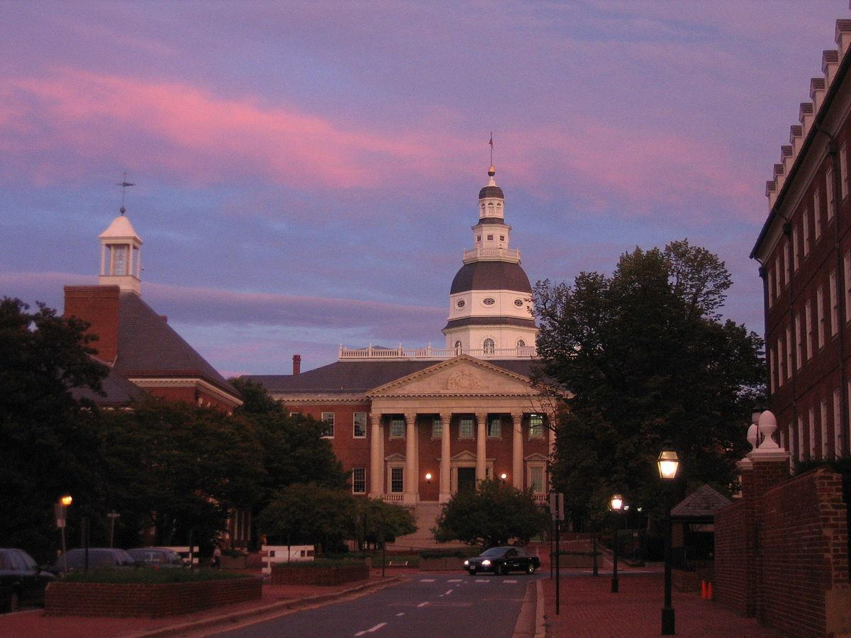 Annapolis_-_Sunset_over_State_House