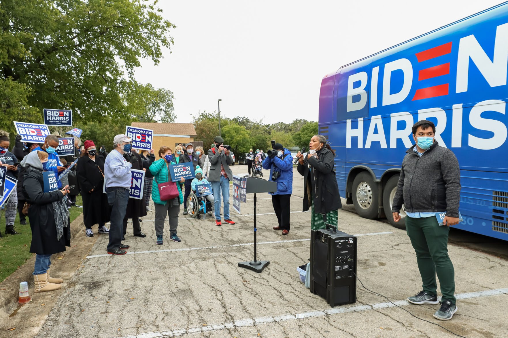 Biden campaign bus tour visits Fort Worth ahead of Kamala Harris visit on Friday