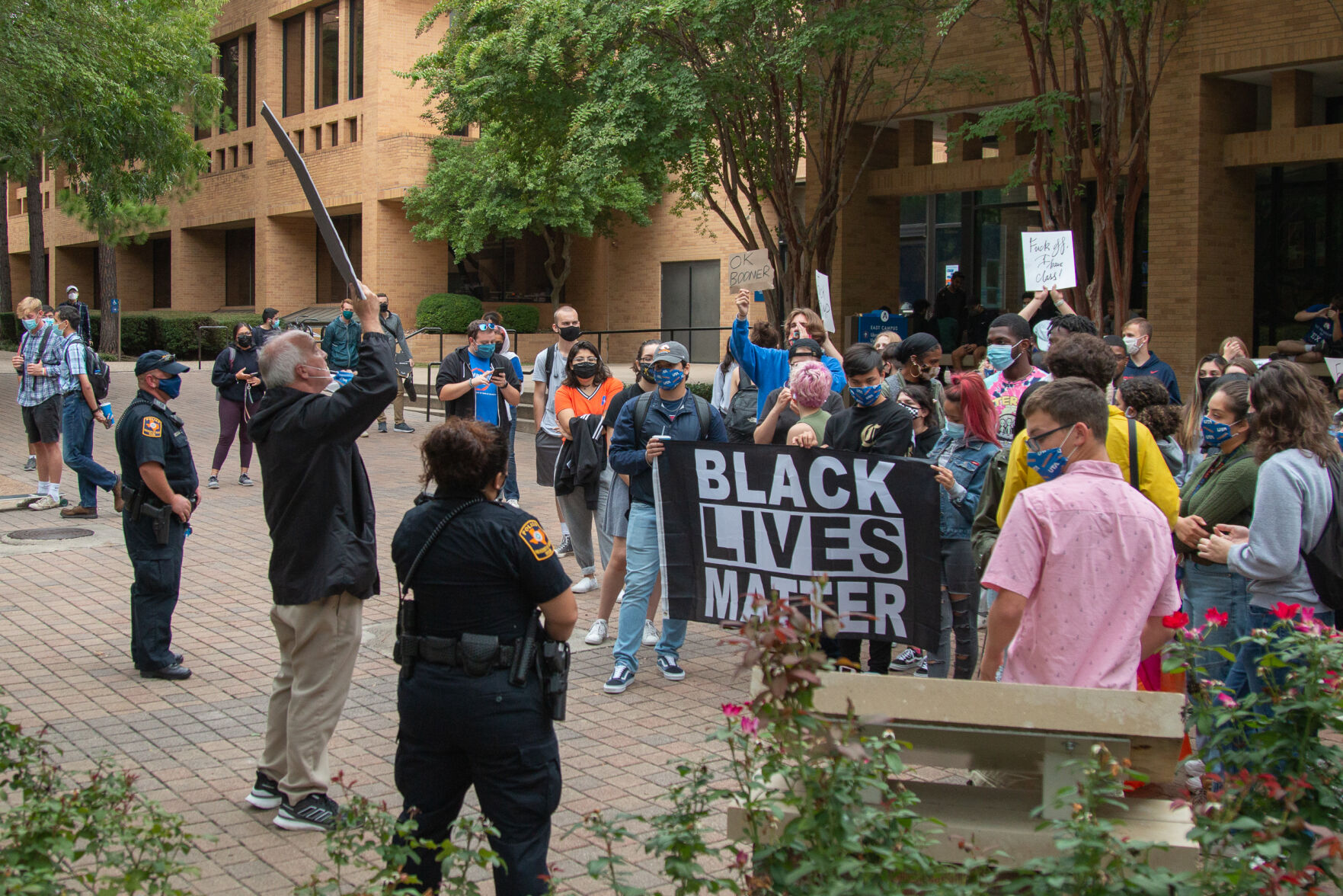 Photos: UTA students stage counterprotest against anti-abortionist on campus