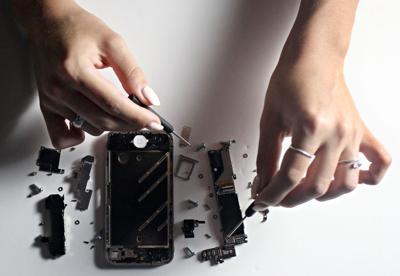 Professional resolves phone damage dilemmas