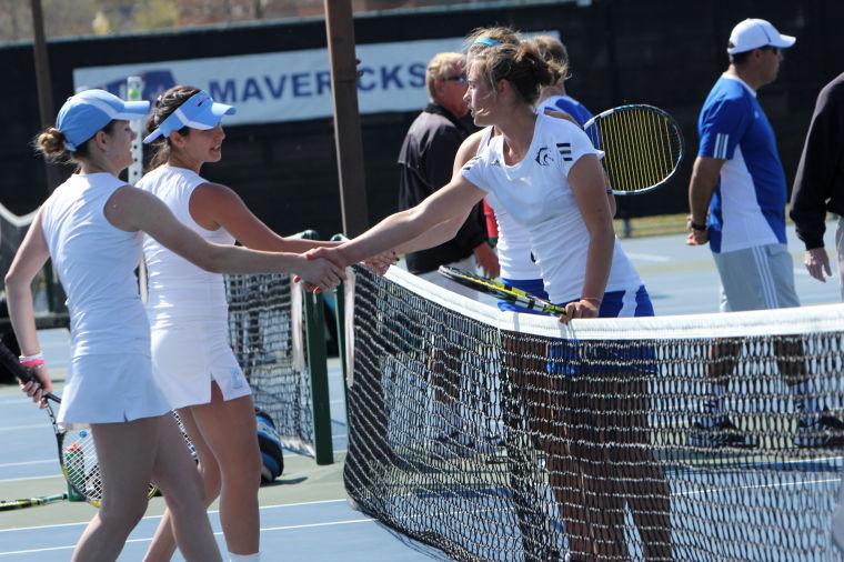 Women's Tennis Against Columbus