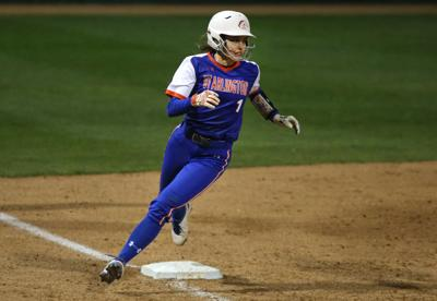 UTA softball splits doubleheader in 2019 Maverick Invitational