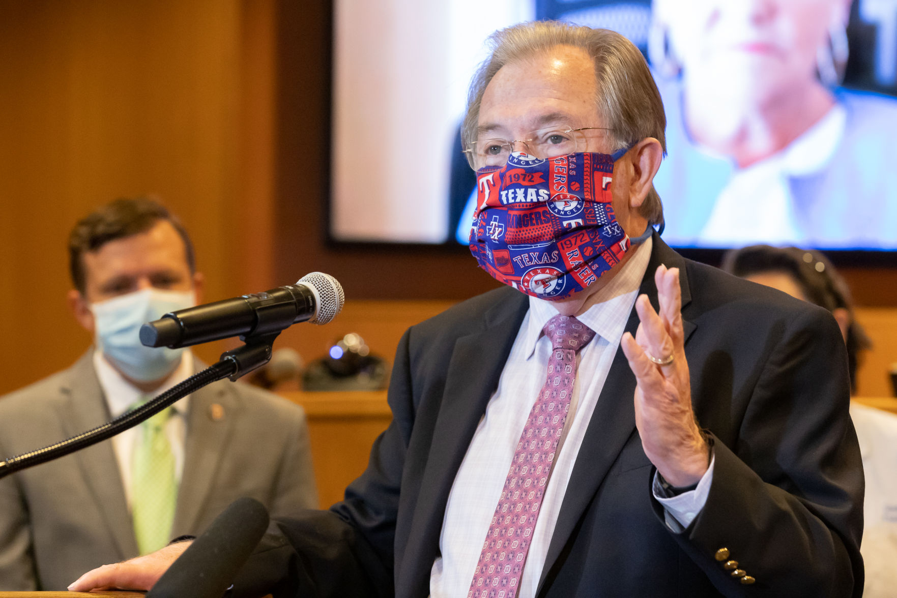 Face masks will be required in all Tarrant County businesses starting Friday