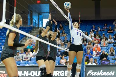 UTA volleyball learns from season's challenges and victories