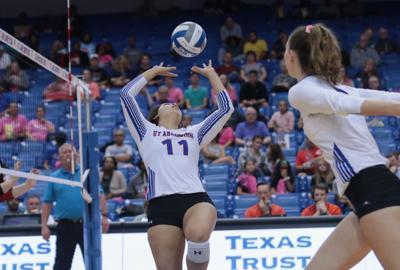 UTA volleyball loses against University of Louisiana at Lafayette
