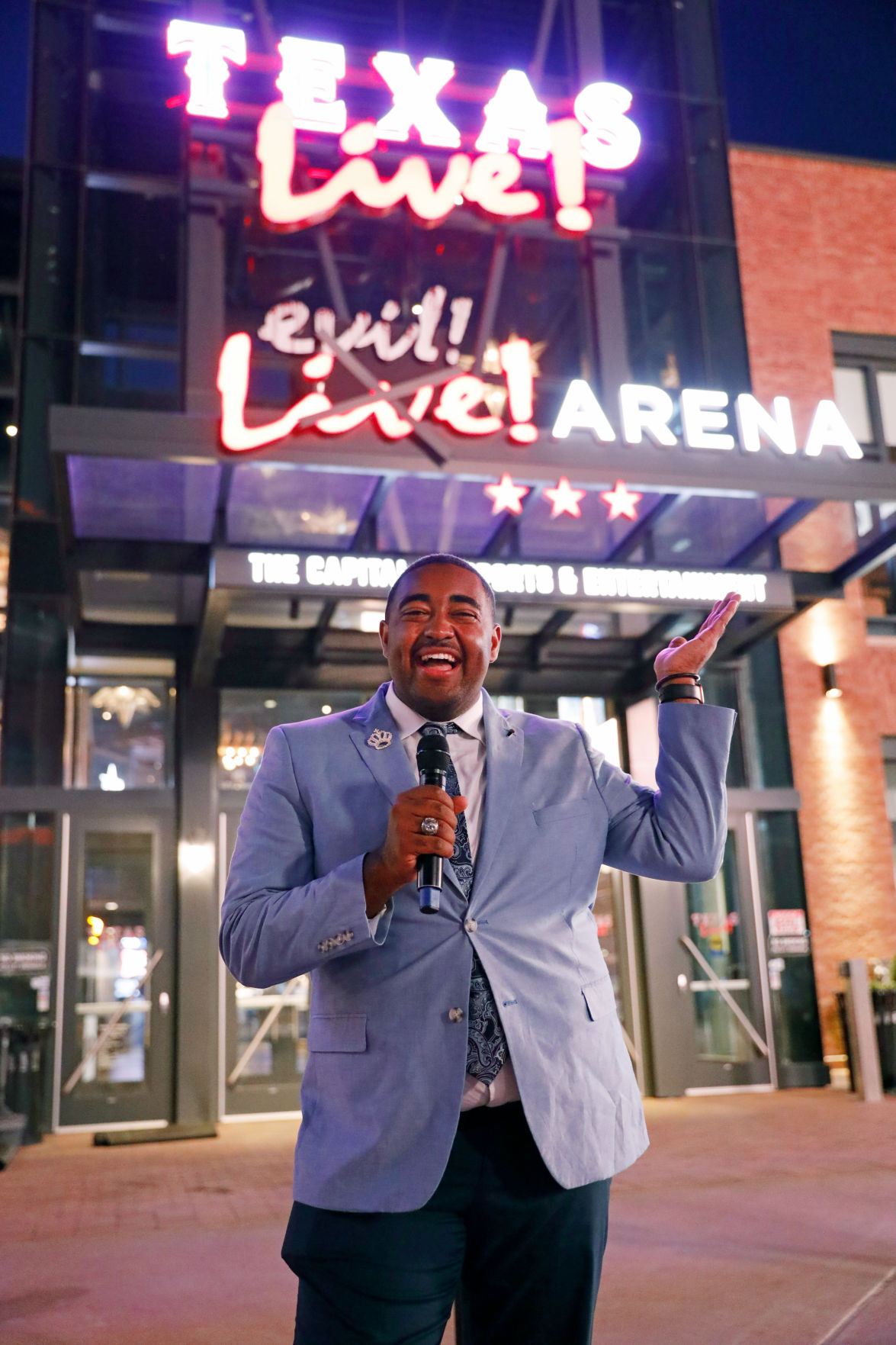 Former Homecoming king Dillian Frelow reigns at Texas Live, works as entertainer and host