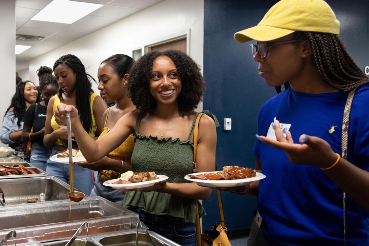 UTA's Black Maverick Welcome event connects freshmen, student organizations