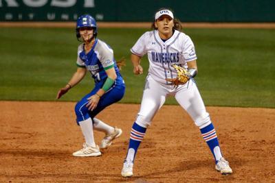 UTA softball splits doubleheader against the University of South Alabama
