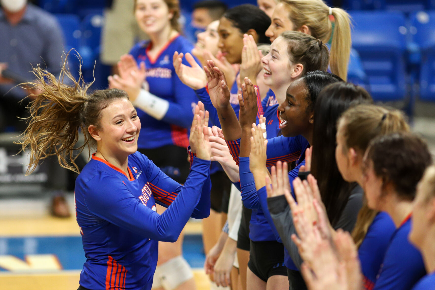 Photos: UTA volleyball wins first home matches against Arkansas State after COVID-19 postponement