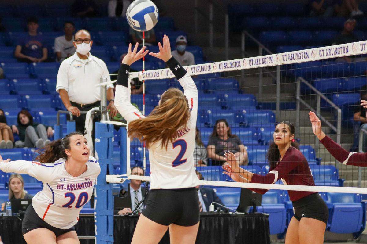 UTA volleyball faces back-to-back defeats against Texas State University
