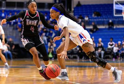 UTA women's basketball alumna signed to play for professional team in Sweden