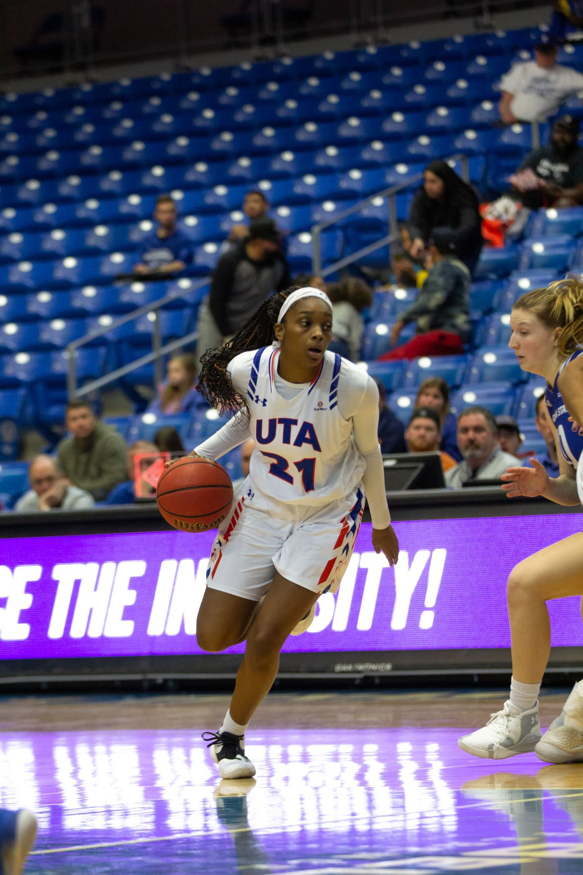 Photos: Lady Mavericks tame Georgia State Panthers using excellent defensive play