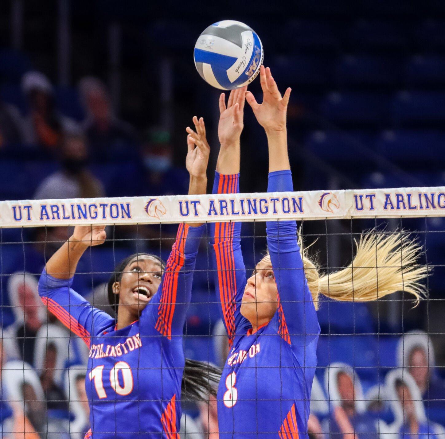 UTA volleyball takes first loss of the season against Arkansas State