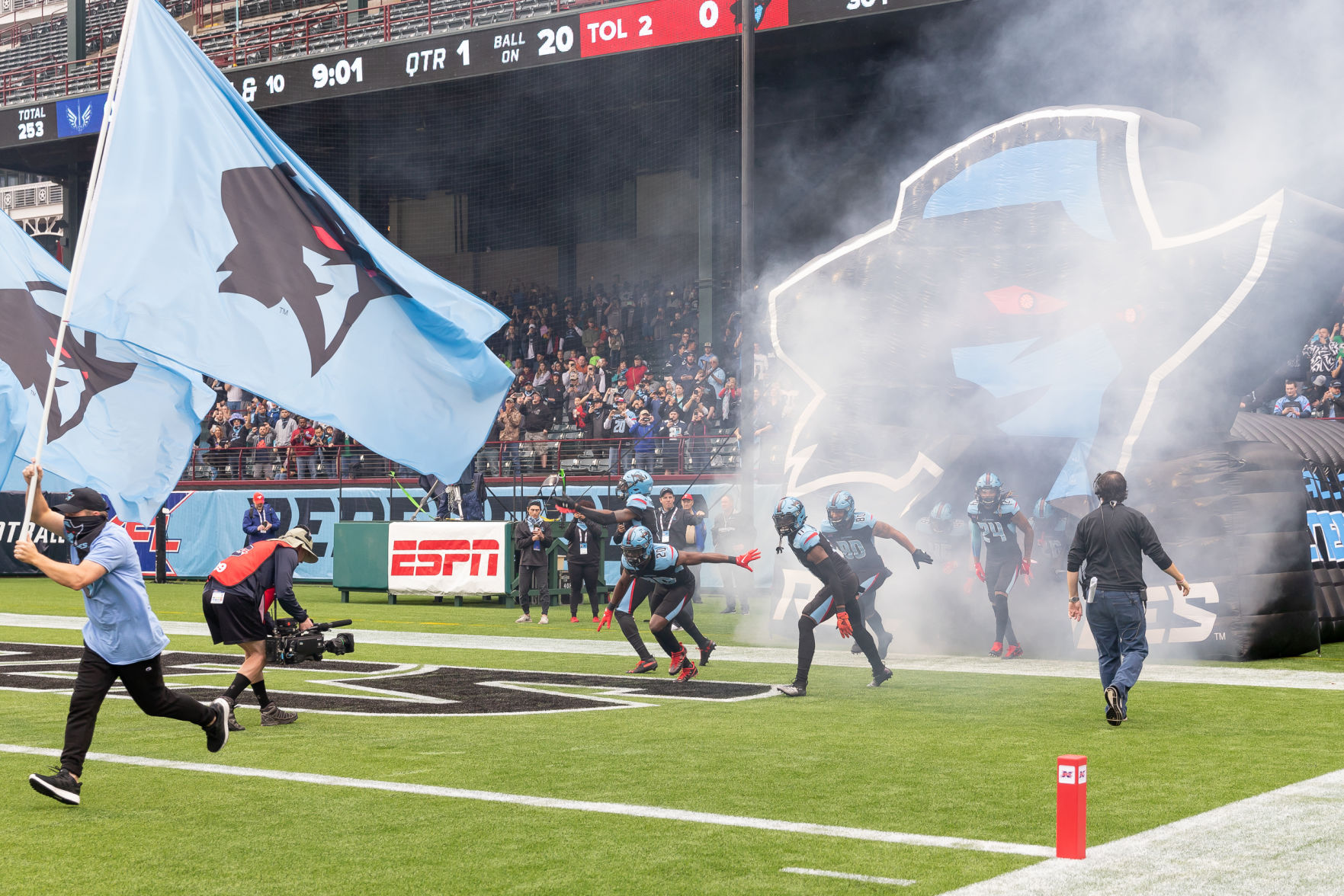 Photos: Dallas Renegades fall to St. Louis BattleHawks in their inaugural game at Globe Life Park