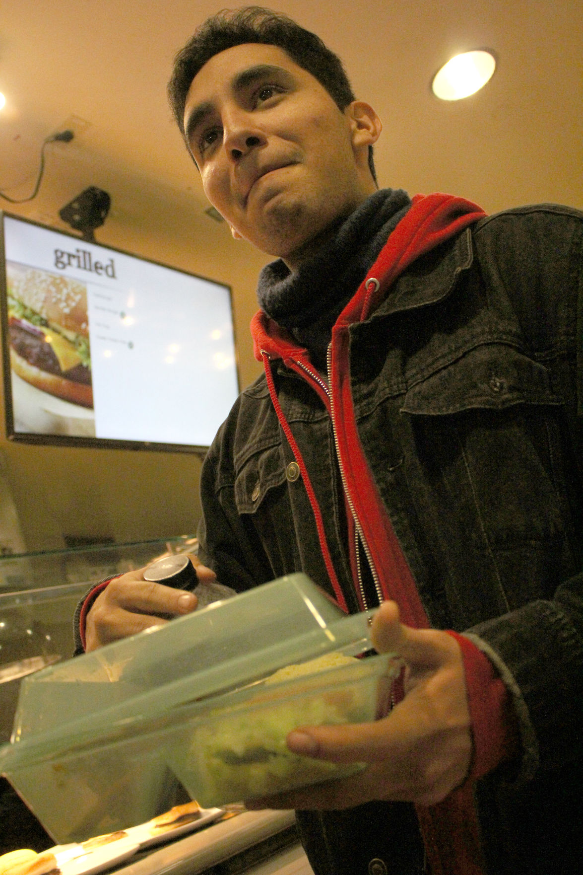 UTA Dining Services replaces to-go boxes with reusable