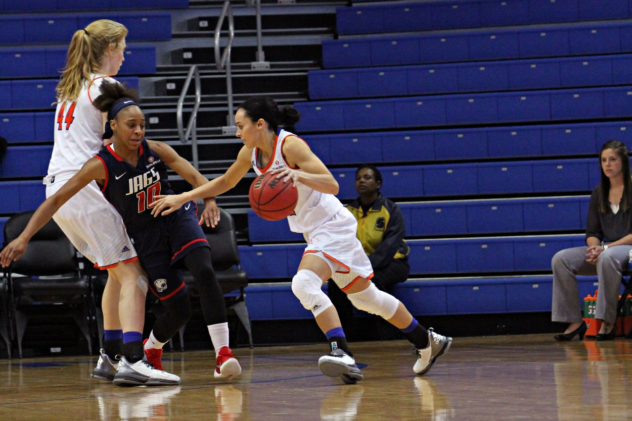 Shorthanded Lady Mavs hang on for close