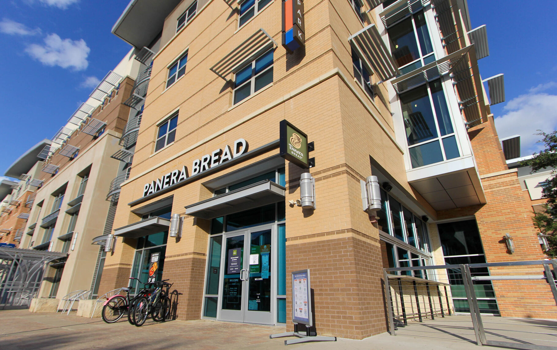 Panera Bread, Einstein Bros. Bagels among campus dining closures resulting from COVID-19