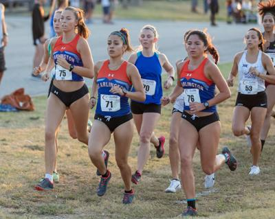 Women's cross-country team shows promise after start of 2019 season