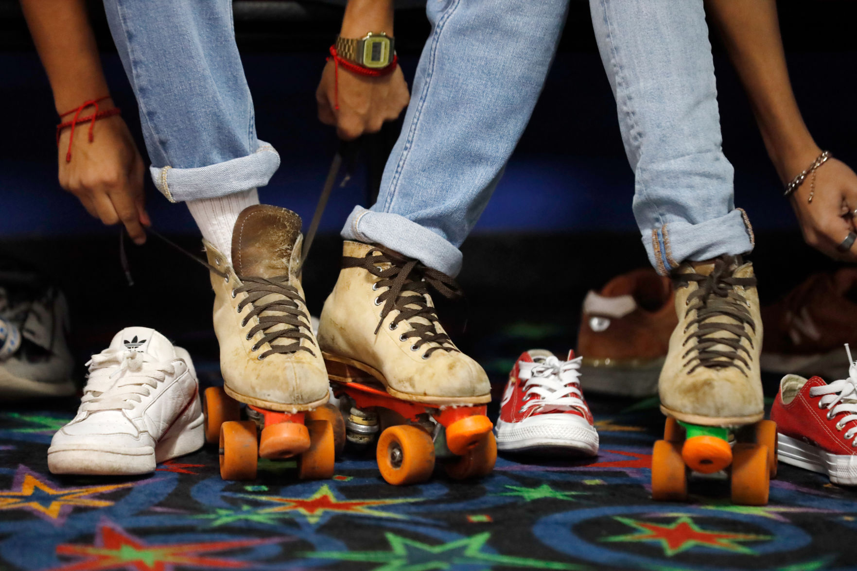UTA, TCC students mingle at Baptist Student Ministry's Retro Skate Social