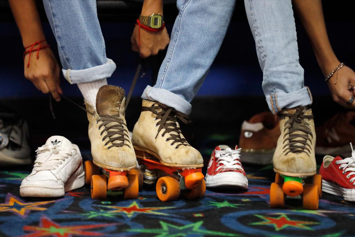 UTA, TCC students mingle at Baptist Student Ministry's Retro Skate Social