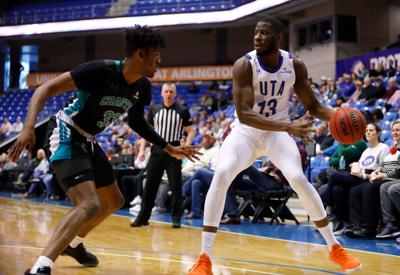Photos: Mavericks get contained by Chanticleers