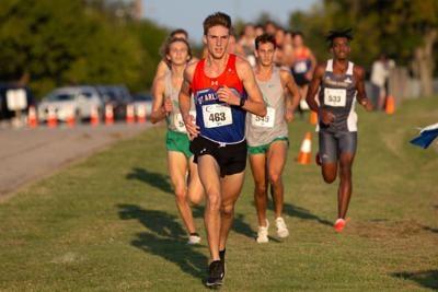 UTA men's, women's cross-country teams take third in first meet of the season